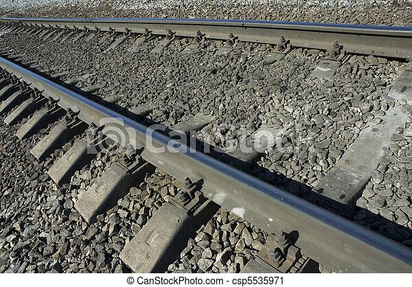 Huellas de ferrocarril - csp5535971