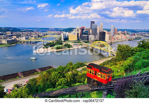 Pittsburgh Pennsylvania Skyline - csp36472137