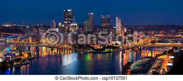 Pittsburgh skyline panorama. - csp10137551