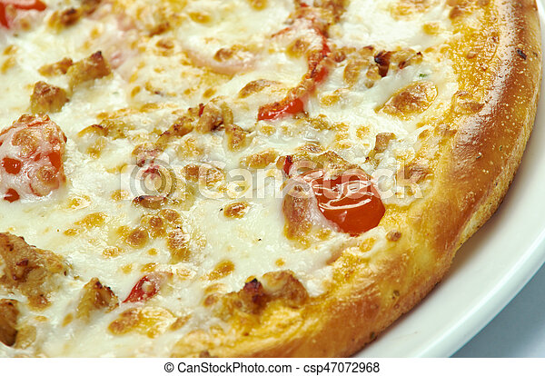 Pizza with mozzarella, chedar and tomatoes - csp47072968