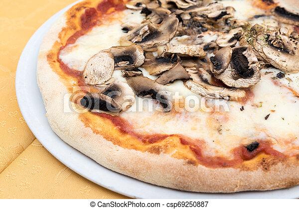 Pizza with mushrooms - csp69250887