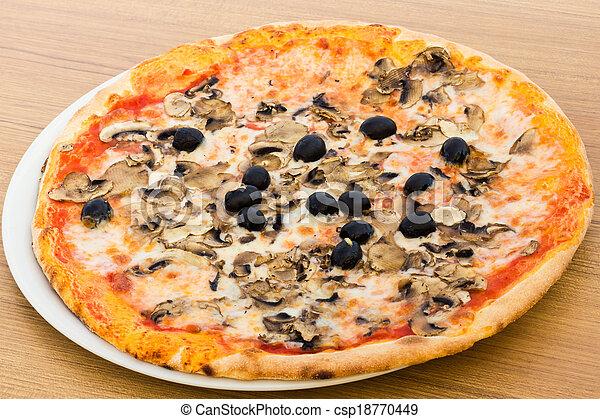 Pizza with mushrooms - csp18770449
