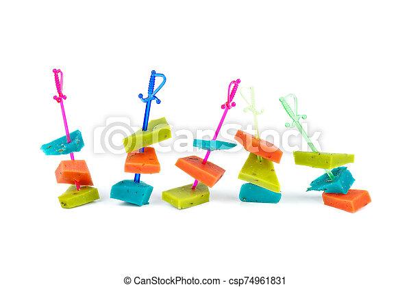 plástico, rojo, pedazos, queso, brochetas, verde azul - csp74961831
