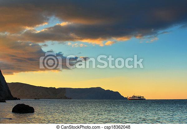 plaża, zachód słońca, spokój, ocean - csp18362048