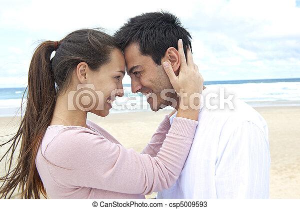plage, couple, flirter, amour - csp5009593