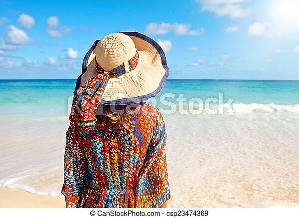 plage femme chapeau exotique chapeau femme plage dos image de stock recherchez photos. Black Bedroom Furniture Sets. Home Design Ideas