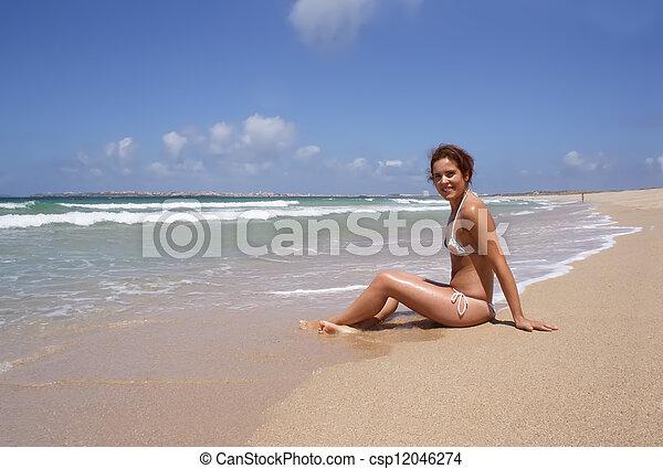 plage, femme - csp12046274