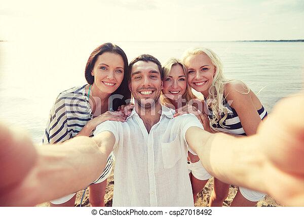plage, prendre, amis, selfie, heureux - csp27018492