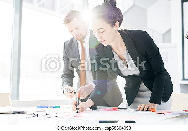 plan planistyczny, startup, handlowy zaludniają - csp58604093