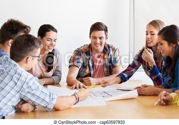 plan, studenci, uśmiechanie się, grupa - csp63597833