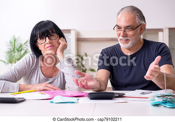 planes, pareja, financiero, 3º edad, discutir - csp79102211