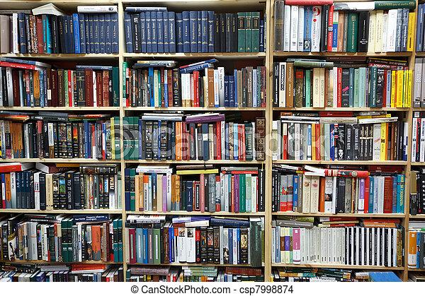 planken, muur, books., particulier, library., gevulde - csp7998874