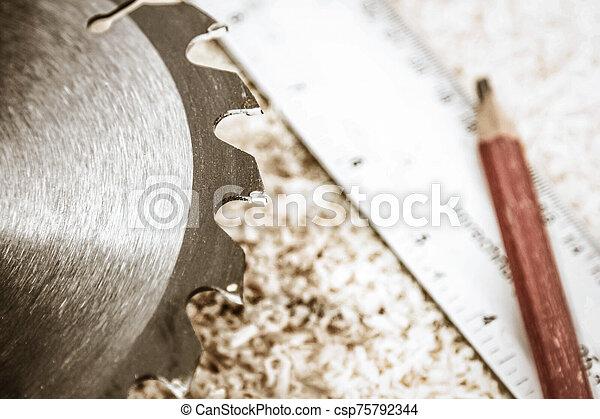 plano de fondo, carpintería, hoja, sierra, tablas, herramientas - csp75792344