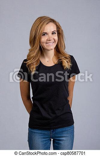 plano de fondo, muchacha que sonríe, ropa, hermoso, diario, gris - csp80587701