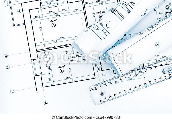 Rollos de dibujo con planos y planos arquitectónicos - csp47998738