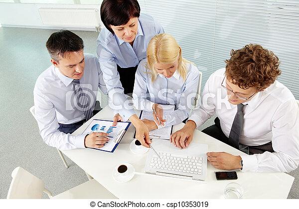 planowanie, praca - csp10353019