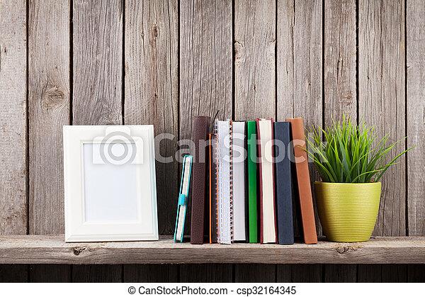 Plank Voor Lijstjes.Plant Houten Plank Lijstjes Boekjes Foto