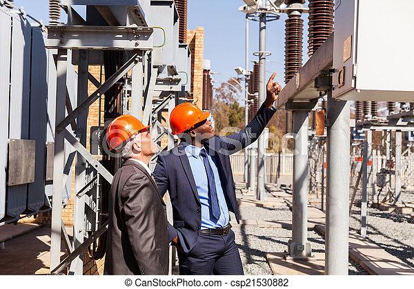 planta eletricidade, gerentes, inspeccionando, poder - csp21530882