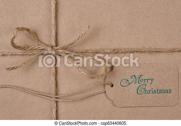 plat, ficelle, brun, uni, étiquette, papier, poser, emballé, présent noël - csp63440605