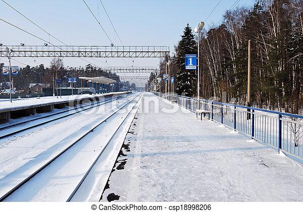 plataforma, ferrocarril - csp18998206
