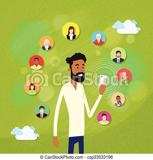 plaudern, internet, mobilfunk, amerikanische , afrikanisch, gebrauchend, bart, klug, mann - csp33533196