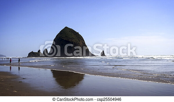 Cannon Beach Oregon - csp25504946