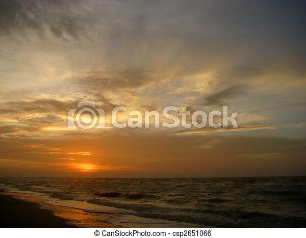 playa, salida del sol - csp2651066