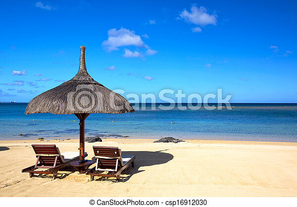 Playa tropical - csp16912030