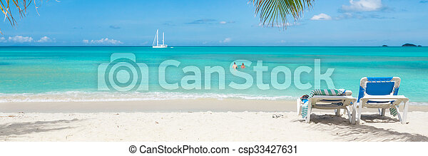 Playa tropical - csp33427631