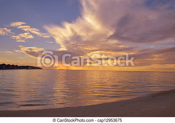 Playa tropical - csp12953675