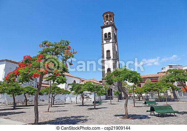 plaza de la iglesia in santa cruz - csp21909144