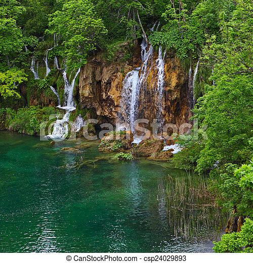 Lagos de chapitero en croata - csp24029893
