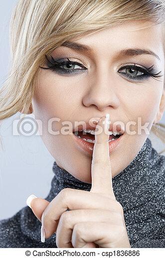 pluma, maquillaje - csp1836886