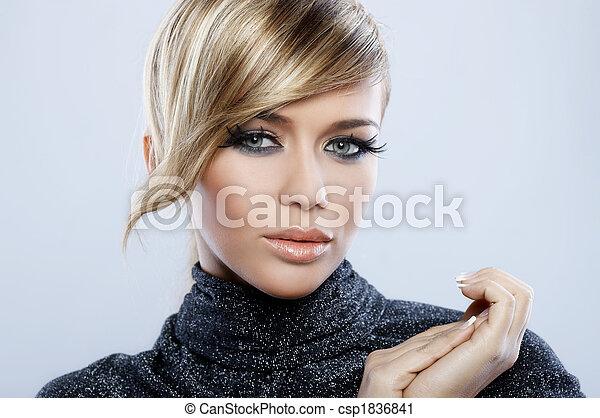 pluma, maquillaje - csp1836841
