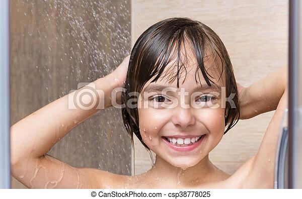 poco, cuarto de baño, niña - csp38778025