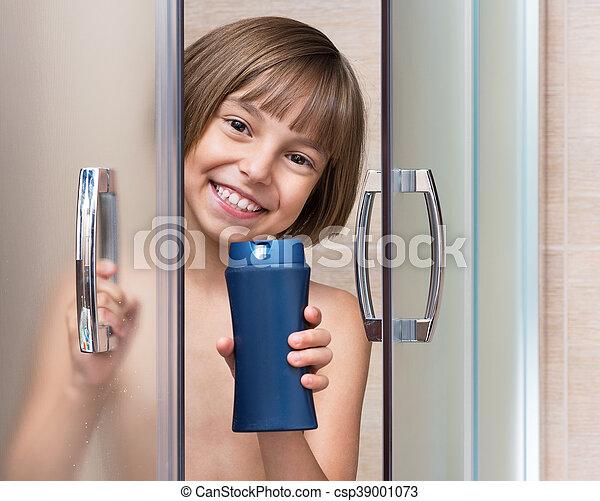 poco, cuarto de baño, niña - csp39001073