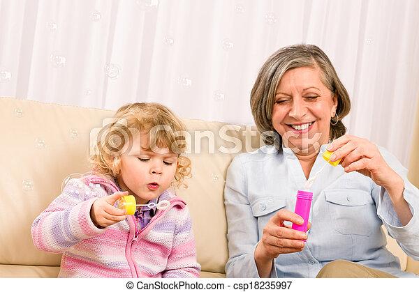poco, gioco, soffiatore, nonna, ragazza, bolla - csp18235997