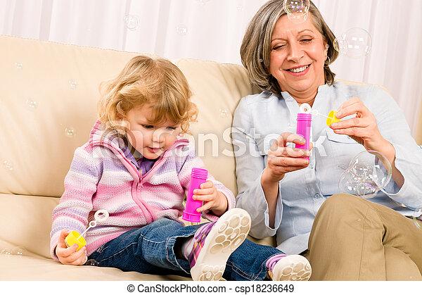 poco, gioco, soffiatore, nonna, ragazza, bolla - csp18236649