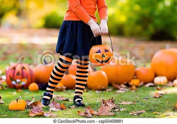 poco, halloween, trucco, strega, costume, ragazza, o, trattare - csp50458881