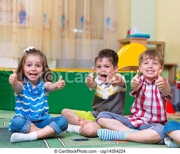 podniecony, dzieci, do góry, dzierżawa, kciuki - csp14354224