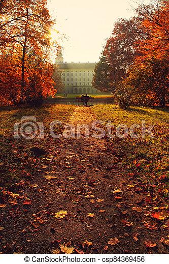 podzim, čelo, cesta, část, sad, věž, řeka, lavice, dvojice, - - csp84369456