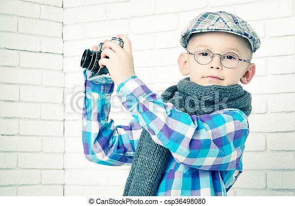 pojke, litet, mössa, kamera, retro, scarf - csp36498080