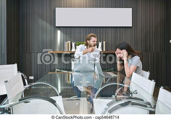 pokój, handlowy, składanie winy na kogoś, asian, pracownik, blondynka, spotkanie, człowiek - csp54648714