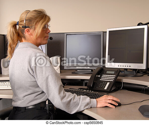 policía, consola, expedidor, trabajando - csp5650845