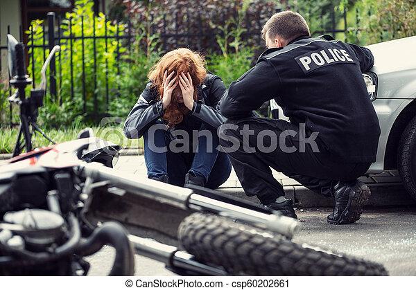 policier, voiture, collision, trafic, motocyclette, victime, terrifié - csp60202661