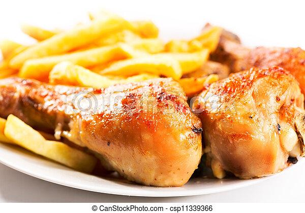 Una pata de pollo asada - csp11339366
