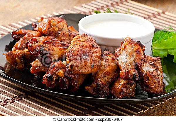 pollo, cocido al horno, alas - csp23076467