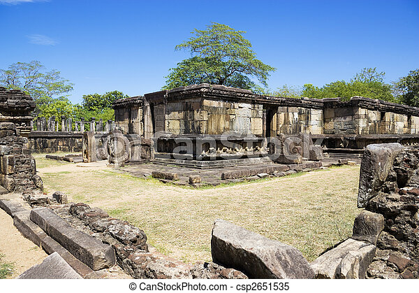 Hatadage, polonnaruwa, sri lanka - csp2651535