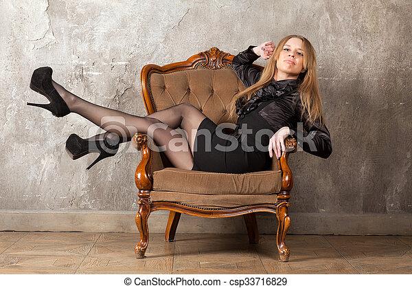 poltrona, assento mulher - csp33716829