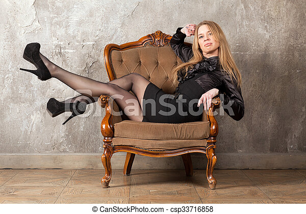poltrona, assento mulher - csp33716858